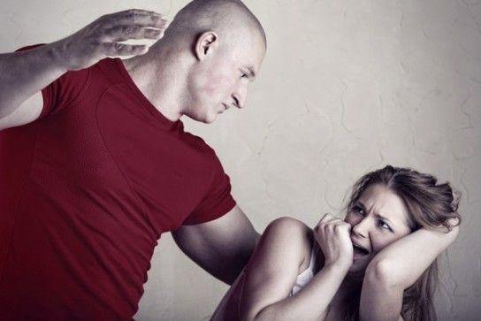 Что делать, если муж бьет жену?