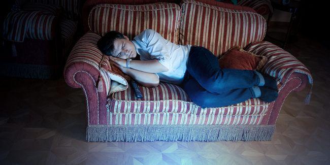 10 Façons de prévenir la fin de la télévision la nuit de ruiner votre sommeil