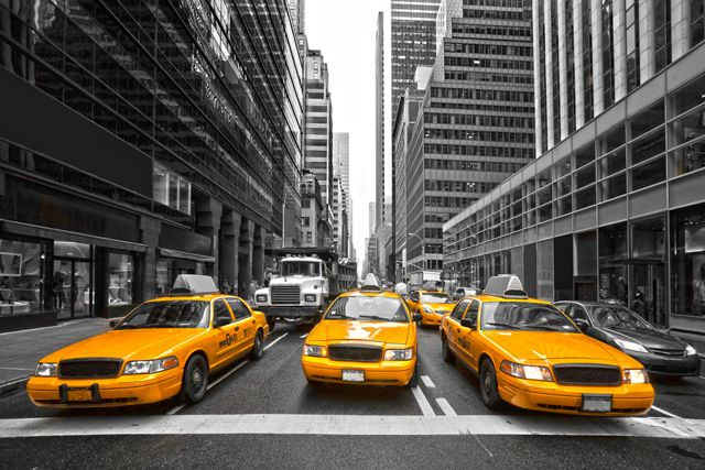 NYCTaxi_shutterstock_165497876