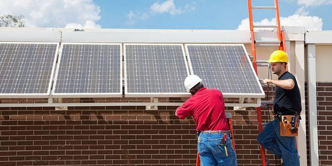 4 Les entreprises qui vous aideront à gérer votre maison sur l`énergie solaire gratuite
