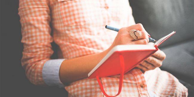 Commencez cette simple habitude de monter en flèche votre productivité: journaling