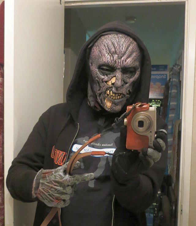 Masque de zombie via Amazon