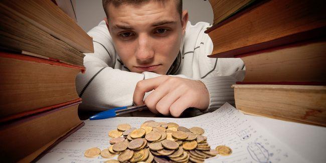 8 Façons d`économiser de l`argent quand aller au collège