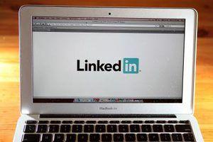 Contrairement à LinkedIn, Monster.com sert d`abord et avant tout comme un site de recherche d`emploi.
