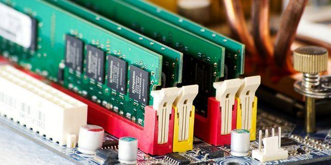 Avez-vous besoin de plus de ram pour exécuter des programmes 32 bits sur windows 64 bits?