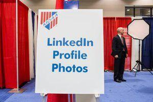Certains membres LinkedIn choisissent d`obtenir des photos professionnelles pour leurs profils.