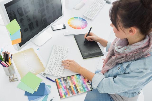 Muo-créatrice-lynda-art-bureau numérique