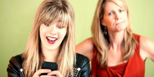 Les parents et les adolescents ne comprennent pas internets les uns des autres