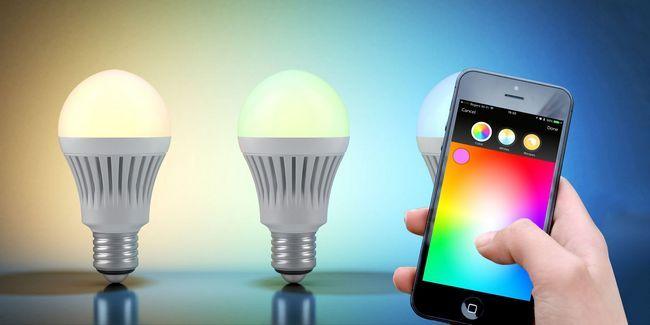 Teinte philips ou lifx? Choisissez la meilleure ampoule intelligente pour votre maison