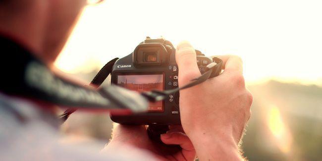 Pourquoi vous ne devriez jamais acheter un nouvel appareil photo reflex numérique (et toujours acheter un d`occasion)