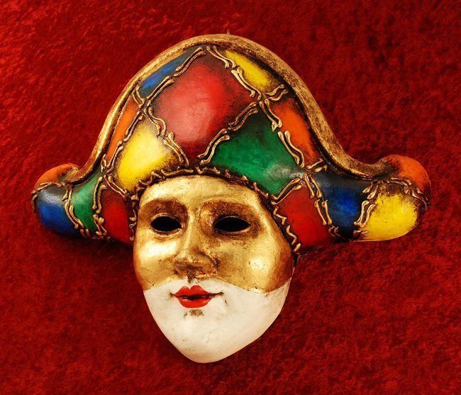 Маска венецианская карнавальная