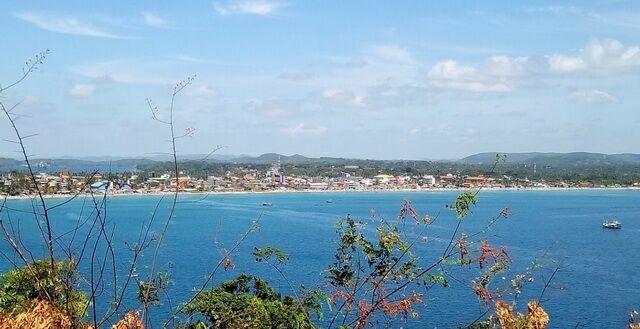 Тринкомали — пляжи нилавели и уппавели в высокий сезон и во время муссонов на шри-ланке